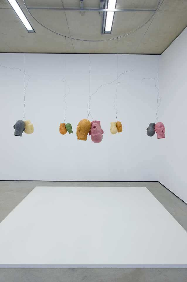 Bruce Nauman, Ten Heads Circle/ In and Out, 1990, Kunstmuseum Wolfsburg, Foto: Helge Mundt © VG Bild-Kunst, 2016