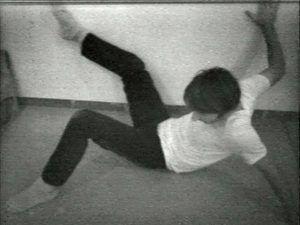 Bruce Nauman, Wall-Floor Positions, 1968, Film Still, Courtesy Electronic Arts Intermix (EAI), New York © VG Bild-Kunst, Bonn 2016