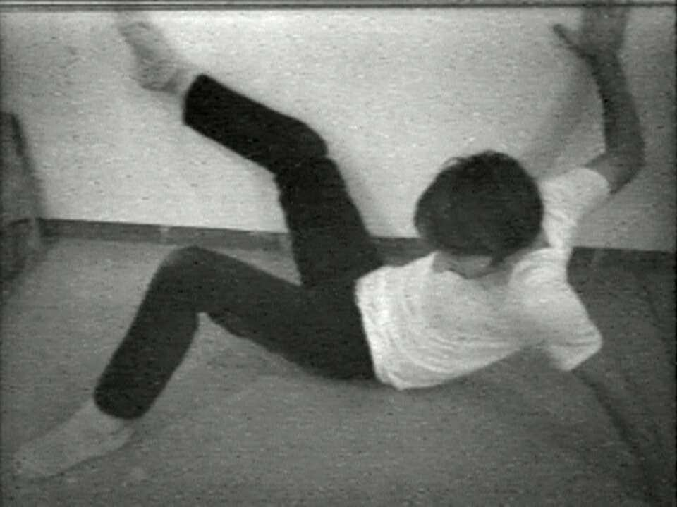 Bruce Nauman, Wall-Floor Positions, 1968, Film Still, Courtesy Electronic Arts Intermix (EAI), New York © VG Bild-Kunst, Bonn 2016