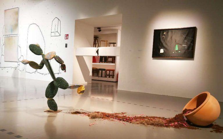 """Nilbar Güreş, Escaping Cactus, Ausstellungsansicht """"ich weiß nicht. Wie die Beziehungen zwischen den Dingen wachsen"""" im MAK, 2017, Foto: Alexandra Matzner, ARTinWORDS."""