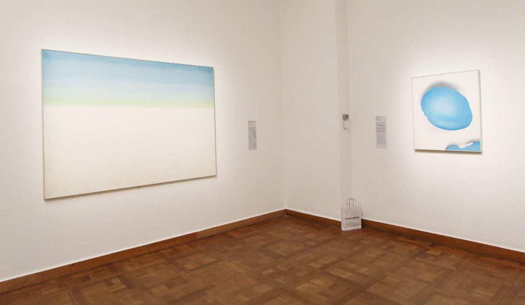 Georgia O'Keeffe, Himmel und Pelvis, Installationsansicht Bank Austria Kunstforum 2016, Foto: Alexandra Matzner (c) Bildrecht 2016.