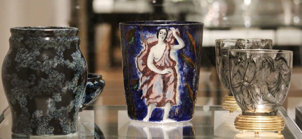 "Otto Prutscher, Vase, ""Series lapis lazuli"", 1910, Carl Goldberg, Nový Bor (Haida); Lotte Fink, Vase, 1922; Ena Rottenberg, Schale, um 1926, alle für J. & L. Lobmeyr (MAK), Foto: Alexandra Matzner, ARTinWORDS."