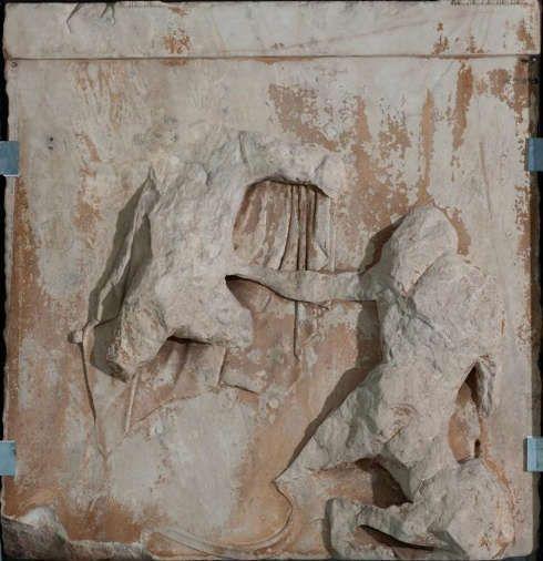 Parthenon, Metope (I), Gigentomachie, Ostseite (© Akropolis Museum, Athen)