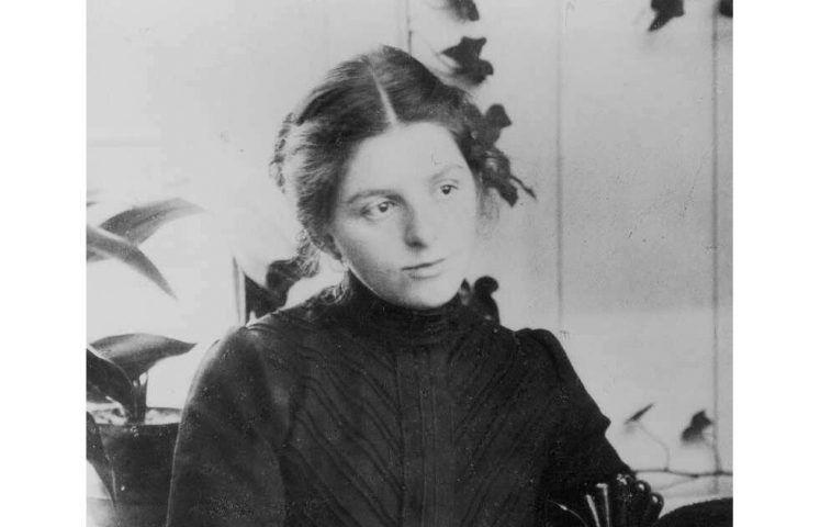 Portrait der Künstlerin Paula Modersohn-Becker in der Veranda ihres Hauses, Detail, 1901, Foto: Atelier Schaub, Hamburg (Paula-Modersohn-Becker-Stiftung, Bremen)
