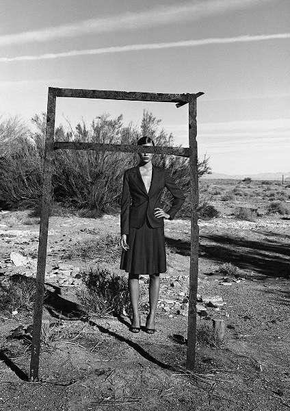 Peter Lindbergh, Esther Canadas, Nevada, 1997 © Peter Lindberg (courtesy Peter Lindbergh, Paris)