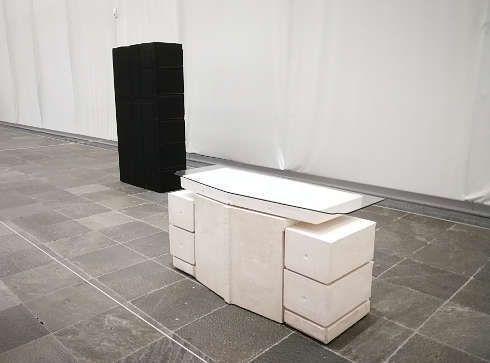 Rachel Whiteread, Closet, Mantle (vorne), Foto: Alexandra Matzner, ARTinWORDS