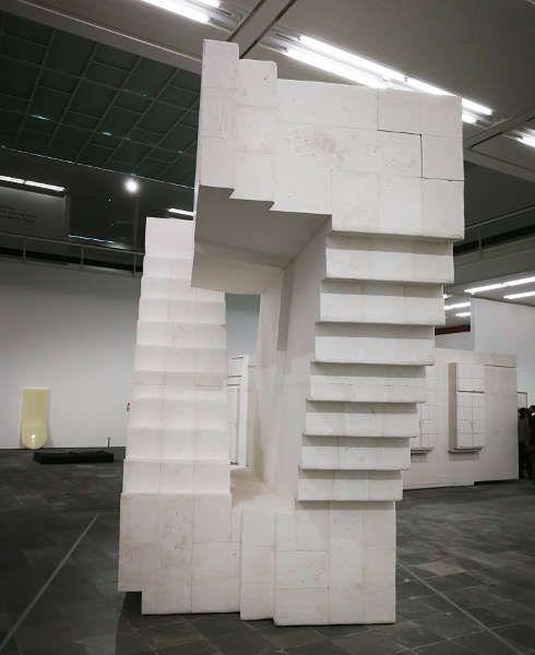 Rachel Whiteread, Untitled (stairs) im Belevedere 21, Foto: Alexandra Matzner, ARTinWORDS