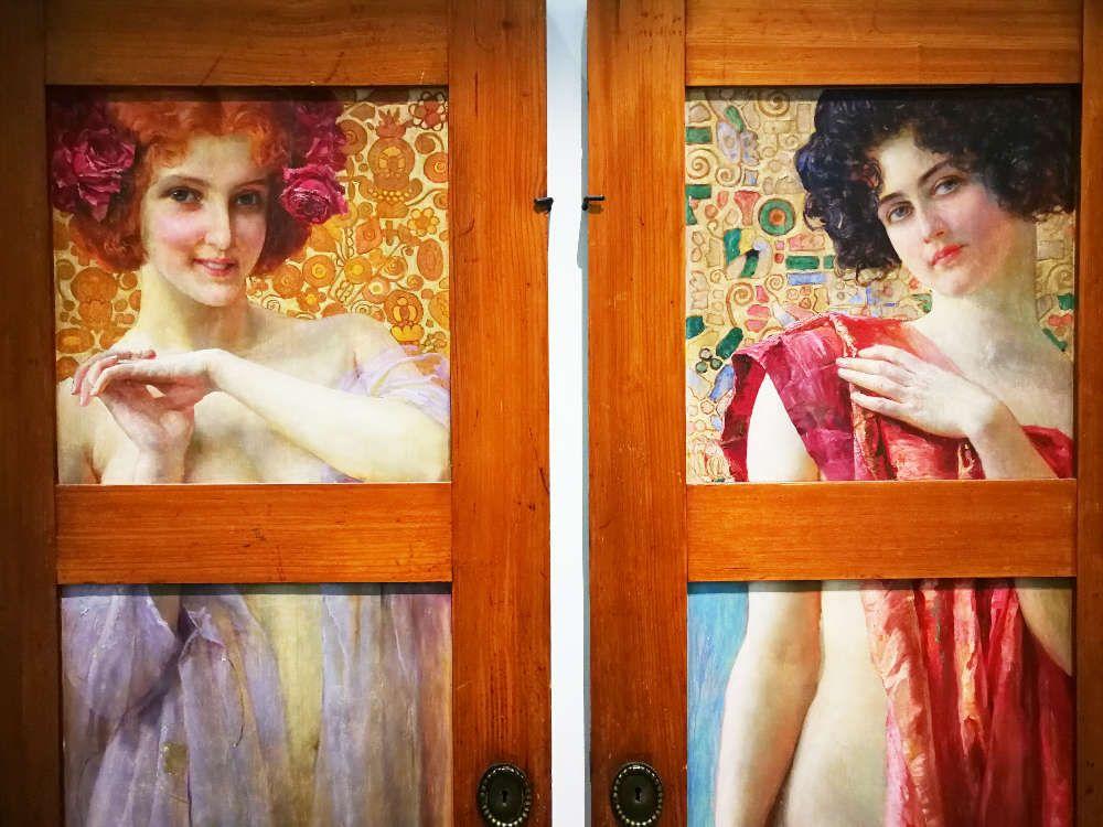 Robert Auer, Schrank mit bemalten Türen, Detail, um 1902 (Privatbesitz, Zagreb), Foto: Alexandra Matzner, ARTinWORDS.