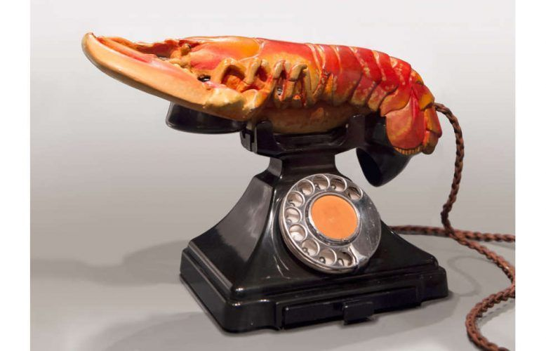 Salvador Dalí, Hummertelefon, 1938 (West Dean College of Arts and Conservation © Fundació Gala-Salvador Dalí, Figueres/VG Bild-Kunst, Bonn 2020)