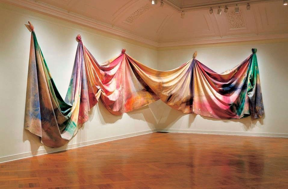Sam Gilliam, Light Depth, 1969, Acryl auf Leinwand, 304.8 x 2269 cm (Corcoran Collection, Washington D.C. ©2018, ProLitteris, Zurich)