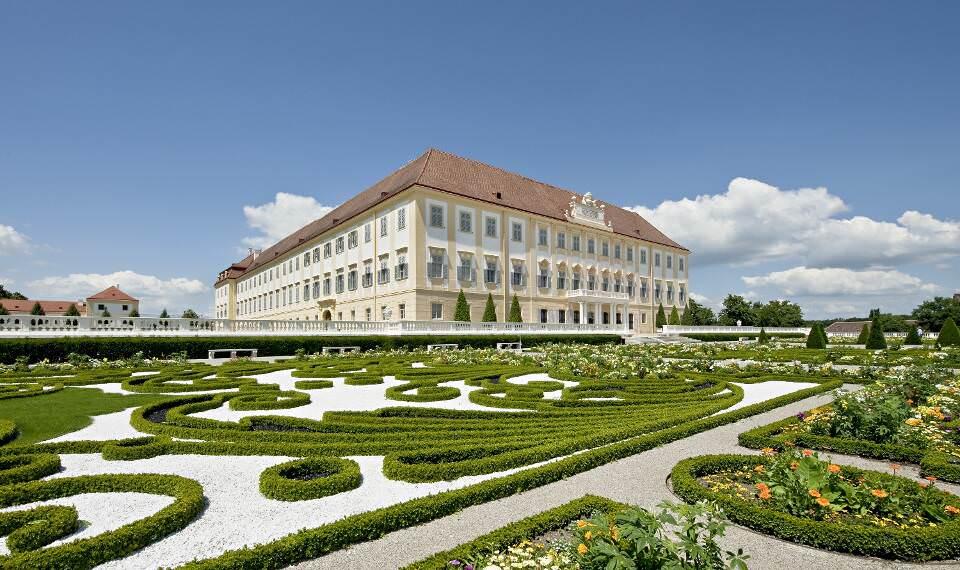 Schloss Hof, außen © Hertha Hurnaus für SKB