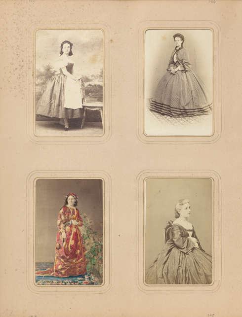 Seite aus einem Fotoalbum der Elisabeth von Österreich-Ungarn, angelegt um 1862, Albuminpapier auf Karton, ca. 26 x 20 cm (Museum Ludwig, Köln, Foto: Rheinisches Bildarchiv Köln)