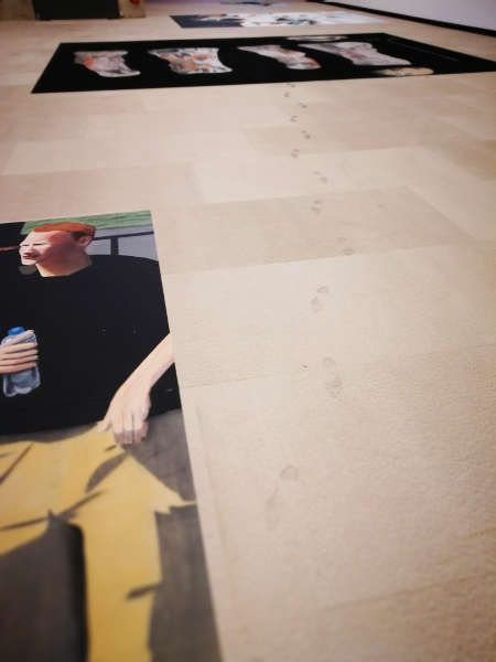Spuren in Olaf Nicolais Ausstellung, Kunsthalle Wien, 12.7.2018 © Olaf Nicolai, Foto: Alexandra Matzner, ARTinWORDS