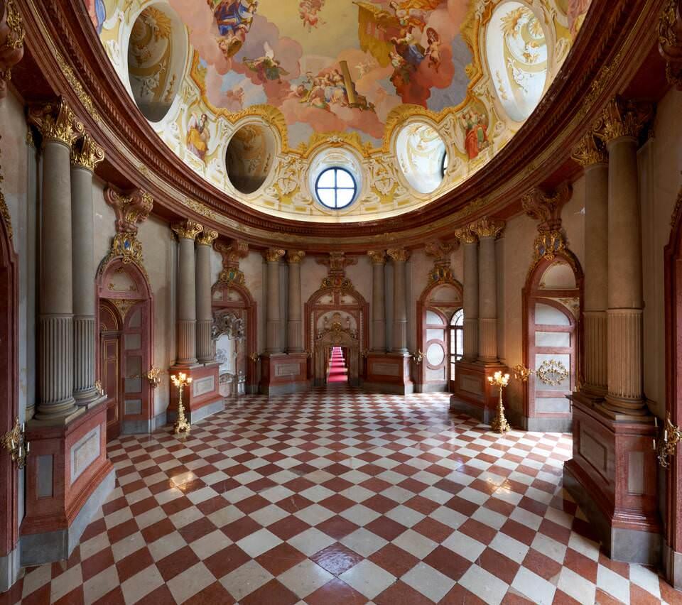 Stift Klosterneuburg, Marmorsaal mit Deckenfresko von Daniel Gran, 1749 (Fotografin: Rita Newman)