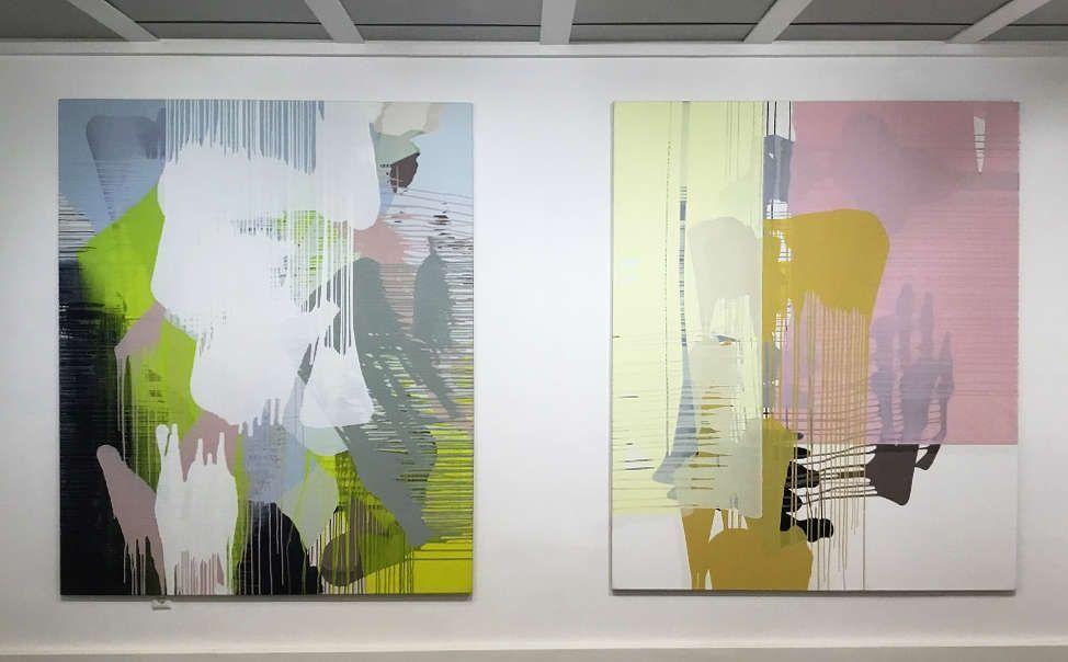 """Thomas Reinhold, Tektonik der Schwebe, 2012; Thomas Reinhold, Netze, 2009, Ausstellungsansicht Galerie Artemons Contemporary Wien, """"Thomas Reinhold. Zur Geometrie des Amorphen"""", Foto: Artemons Contemporary Wien"""