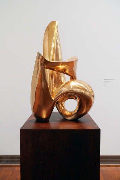 Wander Bertoni, Rhythmisches B, 1954, Bronze, poliert (ALBERTINA, Wien – Schenkung Wander Bertoni © Albertina, Wien)