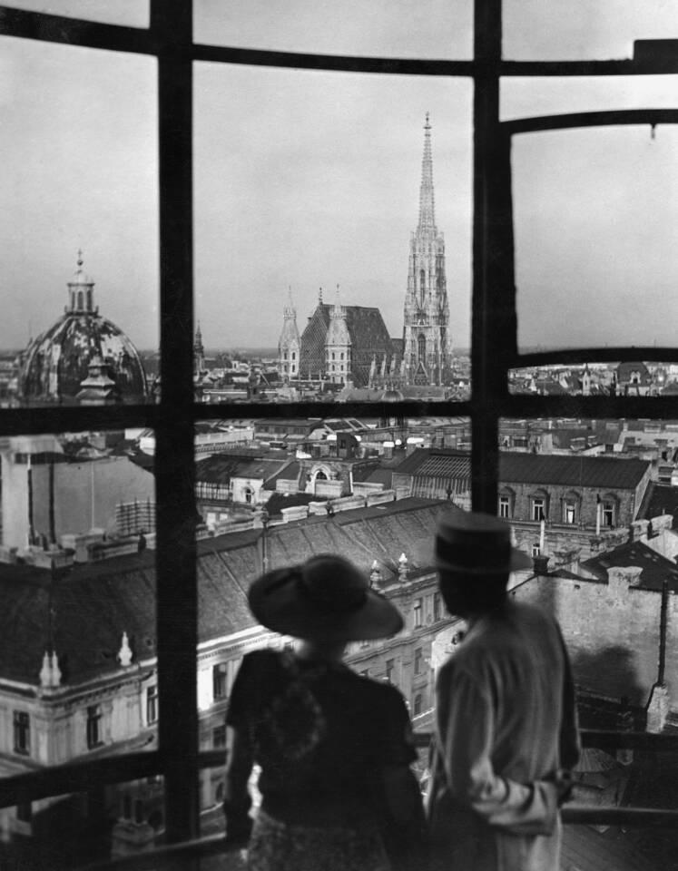 Blick vom Hochhaus in der Herrengasse, um 1935/UNGERundKLEIN GesmbH, Wien © Scherl/SZPhoto
