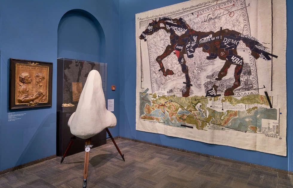 """William Kentridge, Die Nase, Ausstellungsansicht """"William Kentridge. O Sentimental Machine"""