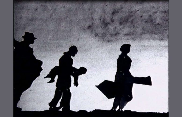 William Kentridge, Shadow Procession, 1999, Video (VHS-Kassette) (ALBERTINA, Wien)