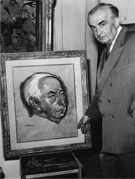 Wolfgang Gurlitt vor einem Bildnis des Bundespräsidenten Theodor Heuss (gemalt von Prof. Kallmann), 1957 (Fotoarchiv LENTOS Kunstmuseum Linz)