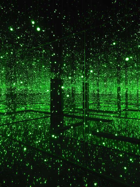 Yayoi Kusama, Infinity Mirrored Room – Filled with the Brilliance of Life (grün), 2011/2017 (Tate © Yayoi Kusama)