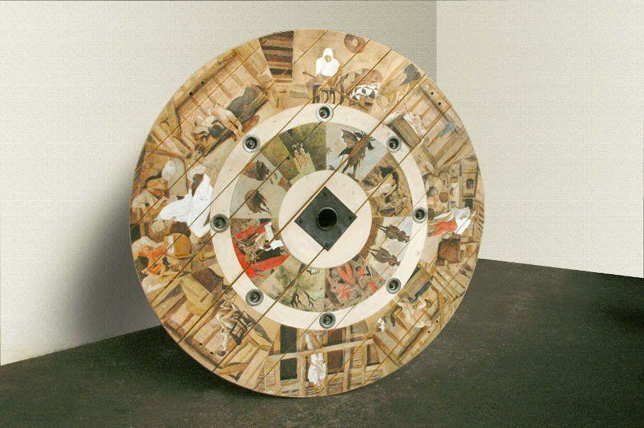 Adrian Paci, Secondo Pasolini, 2010, Acrylfarben auf Holz und Metall, 240 x 240 x 130 cm © 2010 Adrian Paci