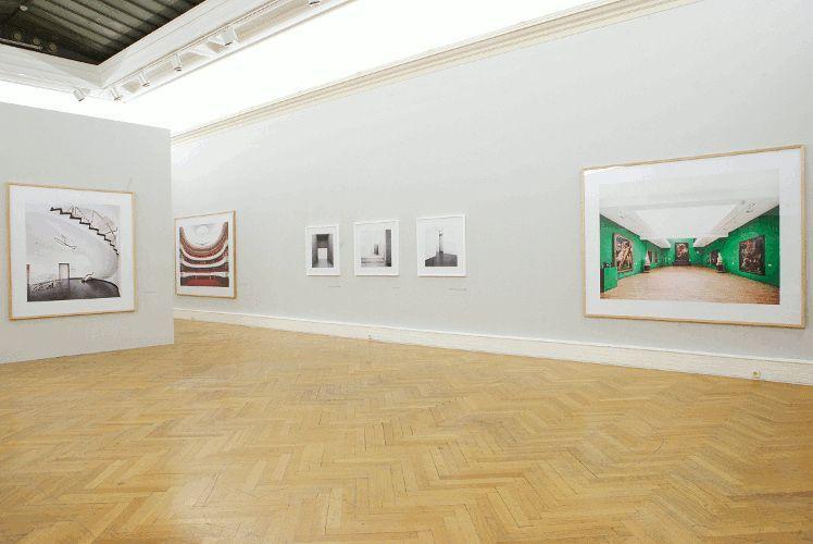 Candida Höfer Ausstellungsansicht Linz