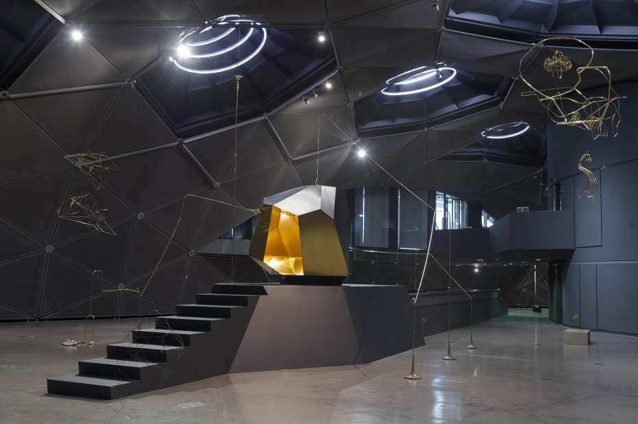 Constantin Luser, Ausstellungsansicht im Kunsthaus Graz, Space 01, 2016, Foto: Universalmuseum Joanneum/N. Lackner