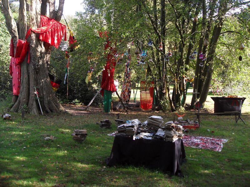 Issa Samb, dOCUMENTA (13) 2012, Installationsfoto: Alexandra Matzner.