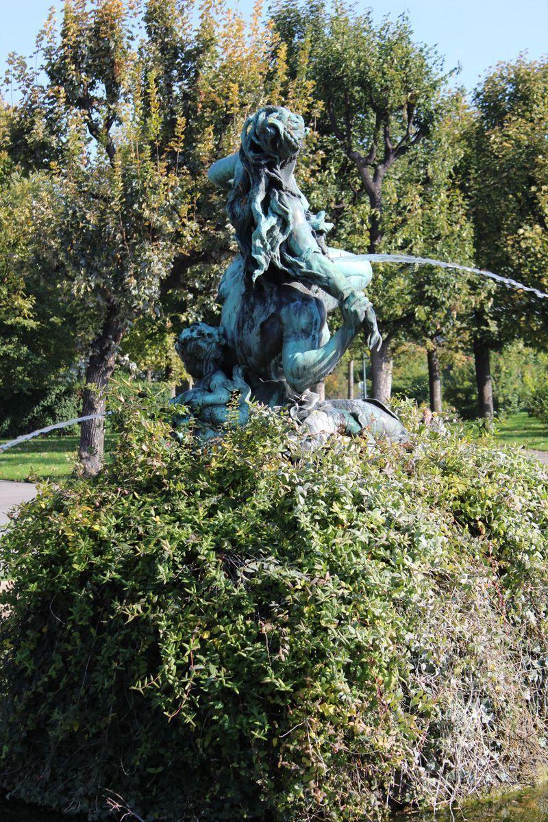 Triton- und Nymphenbrunnen von Viktor Tilgner im Volksgarten © Foto: Alexandra Matzner.
