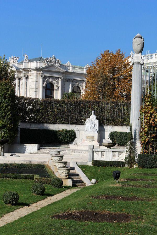 Wiener Volksgarten Elisabethsisi Denkmal