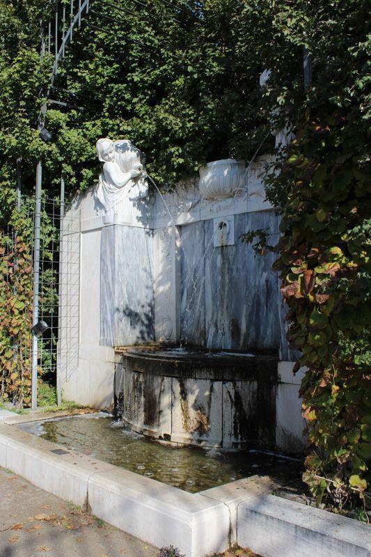 Friedrich Ohmann und Hans Bitterlich, Kaiserin Elisabeth-Denkmal im Wr. Volksgarten, Brunnen, 1907 eingeweiht, Foto: Alexandra Matzner.