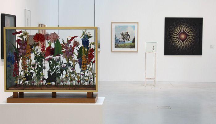 """Curt Stenvert, Lois Weinberger, Ausstellungsansicht """"Die 70er Jahre"""" im MUSA 2013, Foto: Alexandra Matzner."""