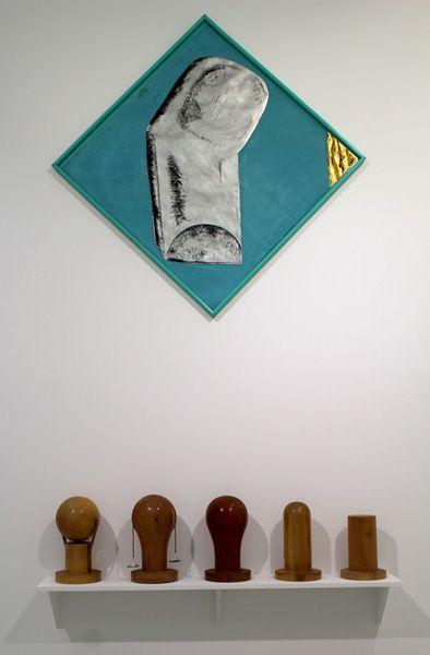 """Gironcoli (oben), K.U.S.C.H., Ausstellungsansicht """"Die 70er Jahre"""" im MUSA 2013, Foto: Alexandra Matzner."""