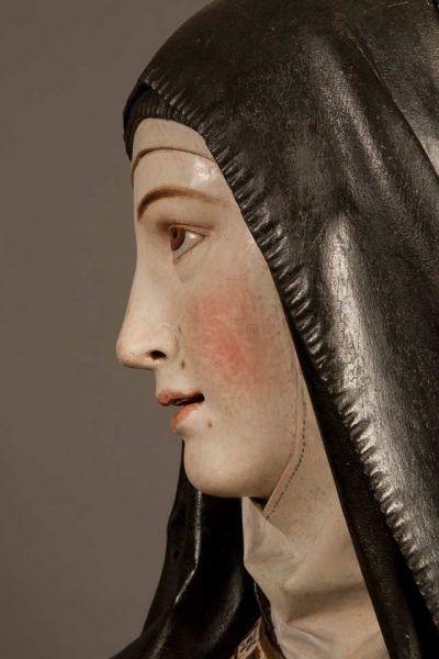 Gregorio Fernández, Die heilige Theresa von Ávila, um 1625, Holz, polychromiert, 187 × 103 × 85 cm (Museo Nacional de Escultura. Valladolid, Inv.-Nr. CE0509)