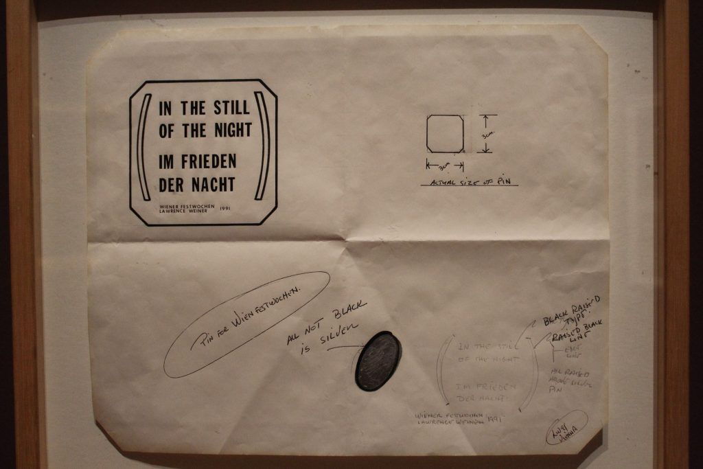 Lawrence Weiner, In the still of the Night, 1991 (MUSA)