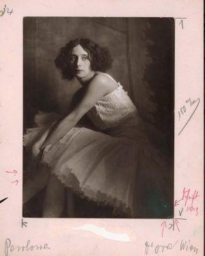Dora Kallmus und Arthur Benda, Anna Pawlowa, 1913, Albertina, Wien - Dauerleihgabe der Österreichischen Ludwig-Stiftung für Kunst und Wissenschaft.