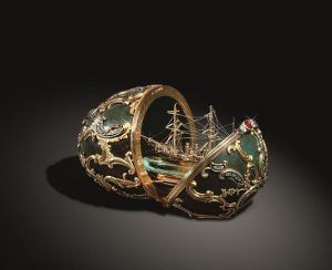"""Carl Fabergé, Osterei mit Modell des Kreuzers """"Pamjat Asowa, © The Moscow Kremlin State Historical and Cultural Museum and Heritage Site."""