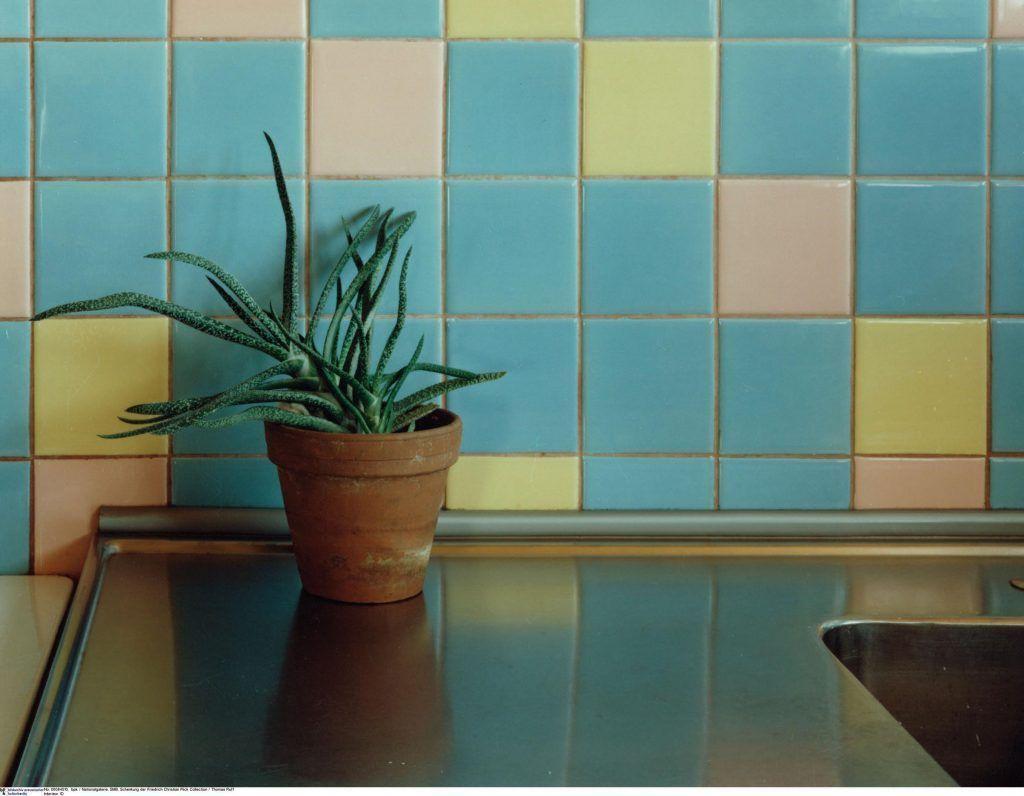 """Thomas Ruff: """"Interieur 1D 1982 (Tegernsee)"""", Courtesy Staatliche Museen zu Berlin, Nationalgalerie, 2008 Schenkung der Friedrich Christian Flick Collection © Thomas Ruff / VG Bild-Kunst, Bonn, Foto: bpk."""