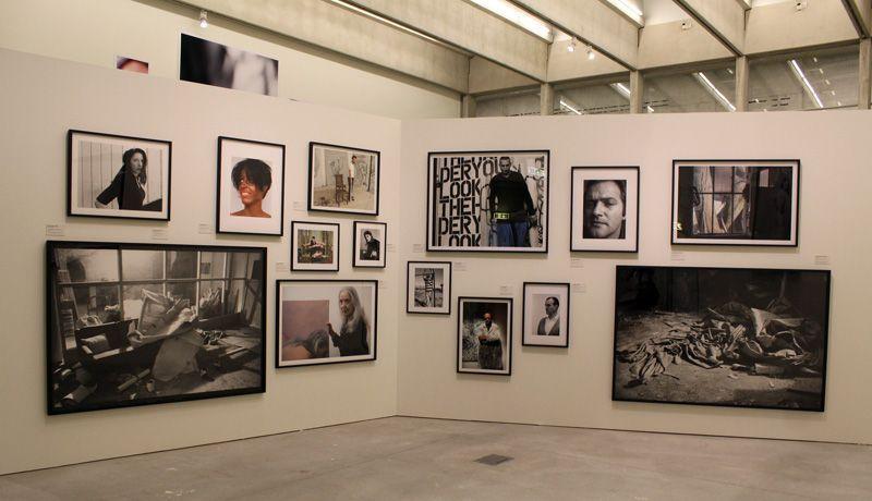 Elfie Semotan, Ausstellungsansicht in der Kunsthalle Krems, Künstlerfreunde, 2013, Foto: Alexandra Matzner.