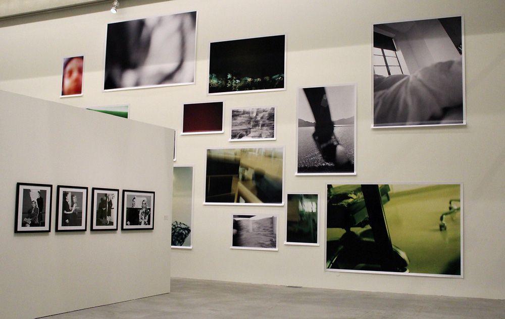 Elfie Semotan, Wegwerffotos, Ausstellungsansicht in der Kunsthalle Krems, 2013, Foto: Alexandra Matzner.