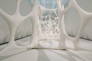 Ernesto Neto, Esqueleto Globulos, 2001, Zellstruktur, Installationsfoto: Alexandra Matzner.