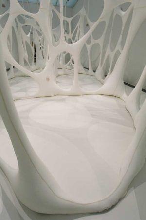 Ernesto Neto, Esqueleto Globulos, 2001, Raum, Installationsfoto: Alexandra Matzner.