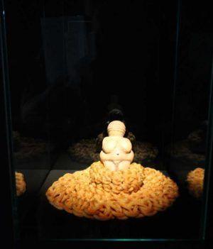 Kopie der Venus von Willendorf, Installationsfoto: Alexandra Matzner.