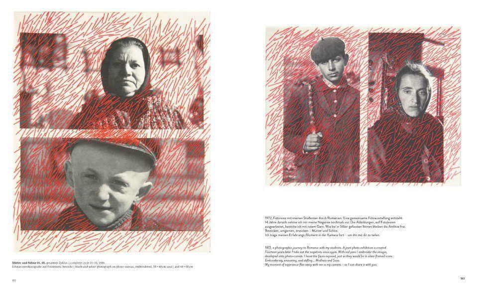 Eva Choung-Fux, Mütter und Söhne, 1986, Schwarzweißfotografe auf Fotoleinen, bestickt, je 48 × 58 cm – Katalog De Gruyter, S. 182–183.