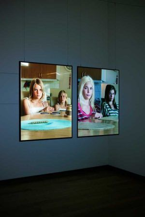 Fiona Tan, Diptych, 2006 – 2011 (Detail), HD Video Installation, Farbe, Stereosound, 29 min 38 sec, geloopt, 2 digital safety masters, 2 sync media players, 2 16:10 HD projectors, 4 rear projection screens, 90 x 67,5 cm each Courtesy the artist and Frith Street Gallery, London © Foto: Gert Jan Rooij and Stedelijk Museum Amsterdam.
