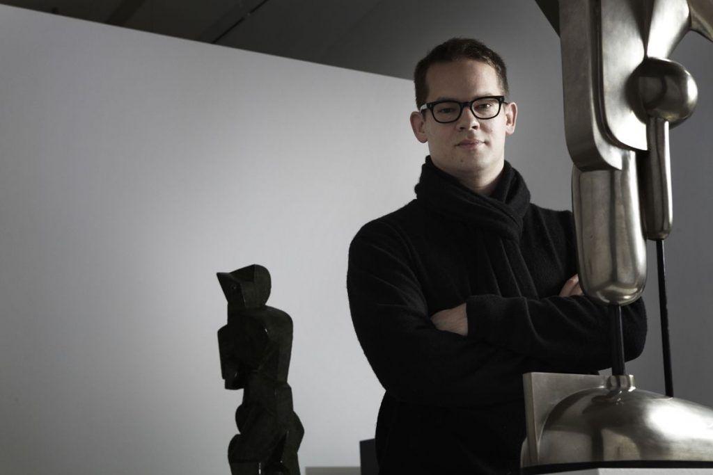 """Florian Pumhösl in der Ausstellung """"Abstrakter Raum"""", Foto: Susanne Stemmer © MUMOK."""