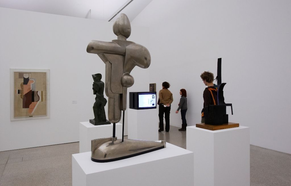 Ausstellungsansicht Abstrakter Raum — Formationen der Klassischen Moderne, 11.2. — 29.5.2011, Foto: MUMOK © MUMOK.
