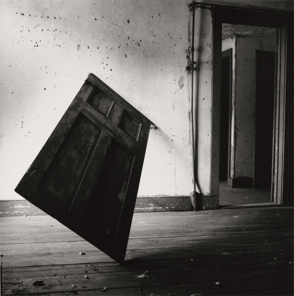 Francesca Woodman, Untitled, Providence, Rhode Island, 1976/2010, Schwarz-Weiß-Silbergelatineabzug auf Barytpapier, 15,1 × 14,9 cm / 25,3 × 20,3 cm © Courtesy George and Betty Woodman, New York / SAMMLUNG VERBUND, Wien.