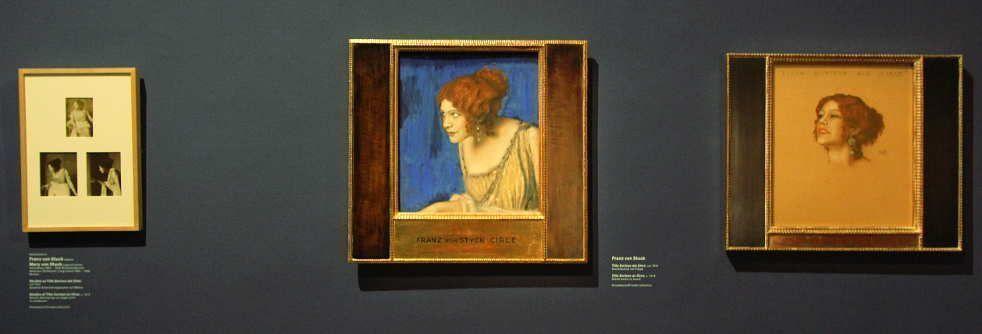 Franz von Stuck, Tilla Durieux als Circe, um 1913, Mischtechnik auf Pappe, 53,5 x 46,5 cm (Privatsammlung), Installationsfoto: Alexandra Matzner.
